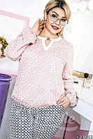 Красивая блузка свободного кроя с принтом