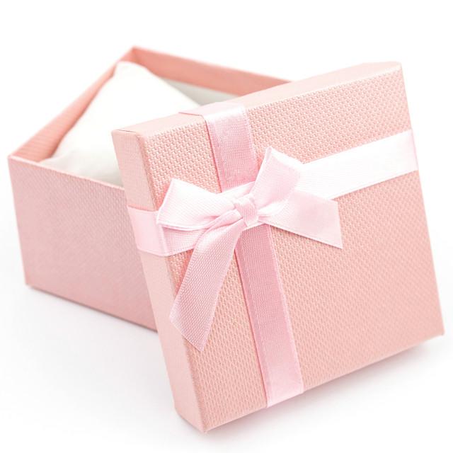 Подарочная коробка с подушечкой для часов или браслета розовая