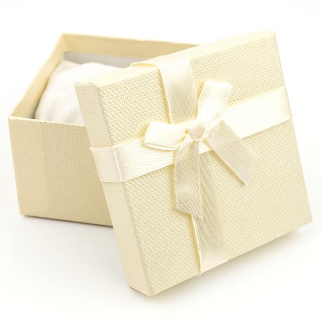 Подарочная коробка с подушечкой для часов или браслета желтая