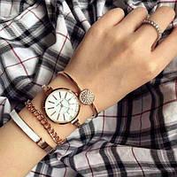 Женские наручные часы Anne Klein с 3 браслетами в подарочной упаковке черные