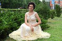 Выпускное бежевое платье в пол пышное 42-44 р
