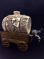 Бочка для вина керам. на деревянной подставке телега
