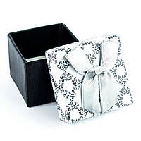 Подарочная коробочка для кольца черно-белая с серым бантиком 5 х 5 х 3 см