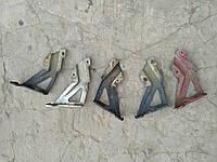 Кронштейн крепления крыла Skoda Octavia Tour левый правый 1U0821142 1U0821141, фото 1