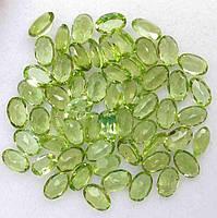 Природний перідот,хризоліт,олівін 6х4 мм 24.80 карат