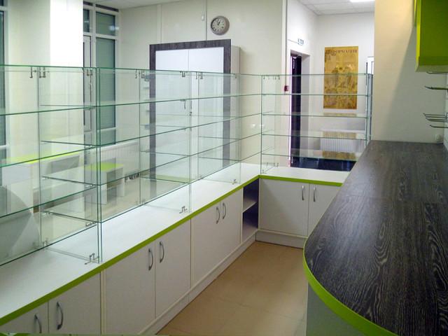 Изготовление витрин для аптеки