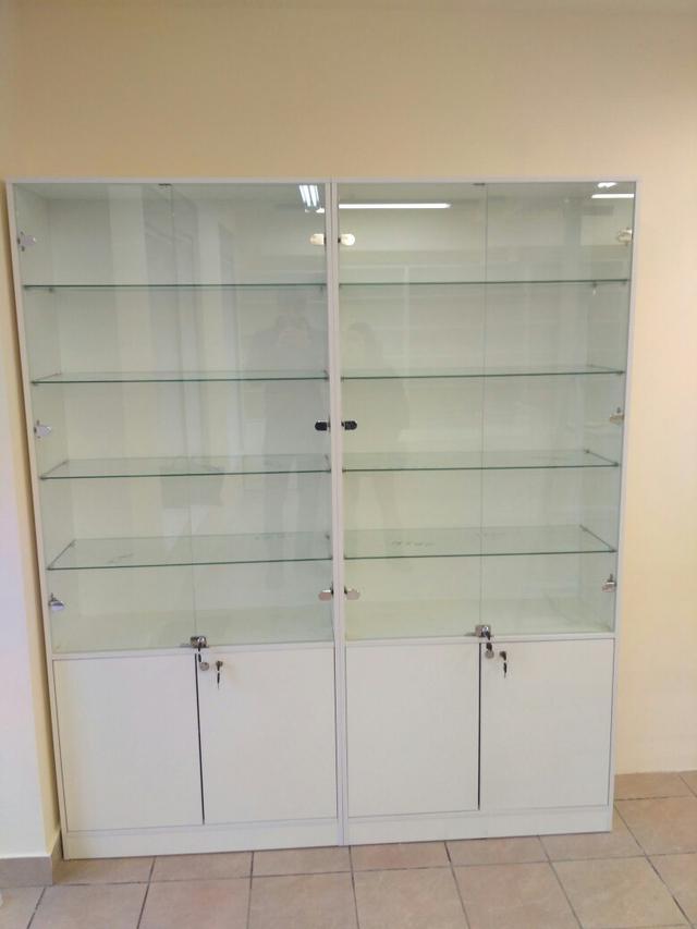 Торговые витрины для аптеки