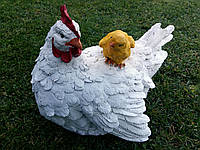 "Садовая фигура ""Курица с цыпленком белая"" H-22см"
