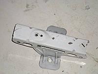 Кронштейн крепления переднего правого крыла Opel Vivaro (00-06) 1,9 дизель механика  (2004)