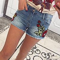 Шорты джинсовые с розами