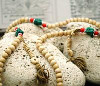 Чётки тибетские из кости белые 108 бусин (8 мм)