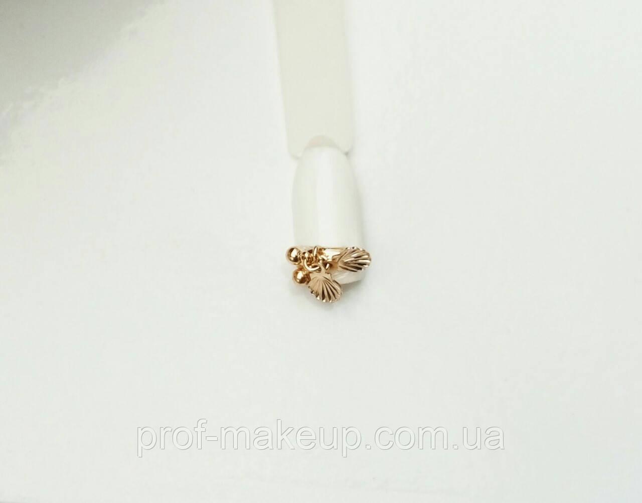 Украшение на ногти 3D золотая ракушка.