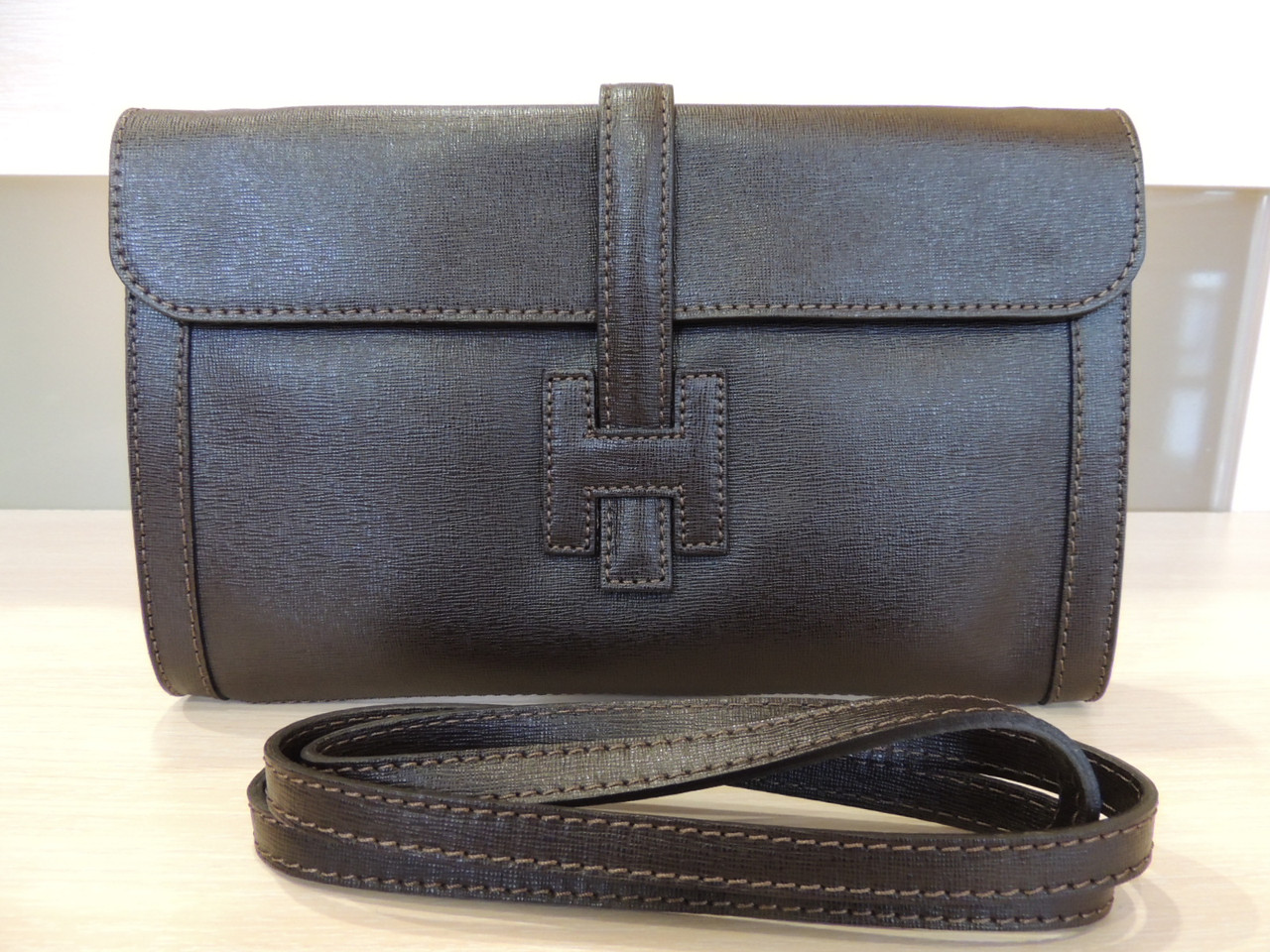 Белая, серая, коричневая, бирюзовая, синяя сумочка - клатч женская кожаная, итальянская. Коричневый