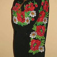 Женская черная вышиванка с красивым цветочным принтом