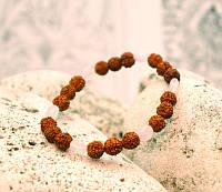 Браслет из плодов Рудракши и Розового Кварца 24 бусины