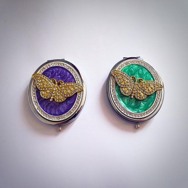 два цвета зеркал
