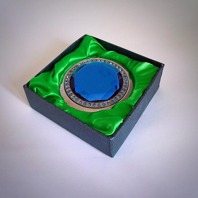 зеркало в подарочной упаковке