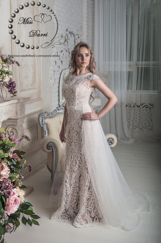 Свадебное платье рыбка в цвете nude кружевное со съемным шлейфом