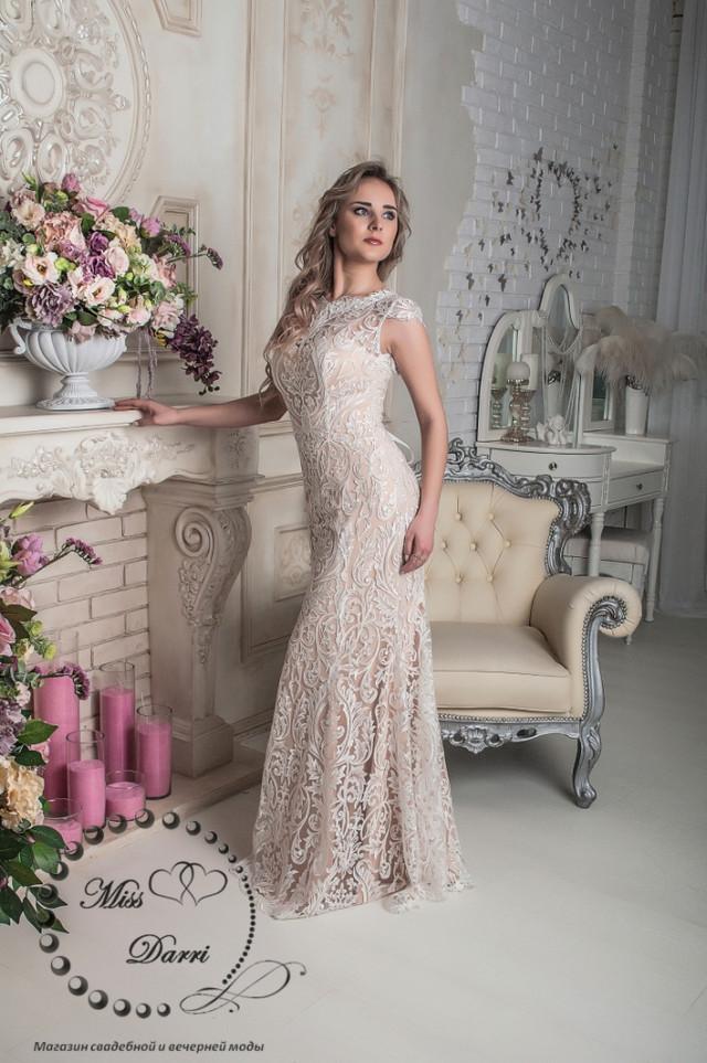 7b2617de219 Свадебное платье рыбка в цвете nude кружевное со съемным шлейфом ...
