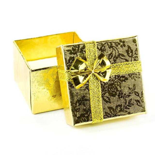 Подарочная коробочка под кольцо 4 x 4 x 3 см золото