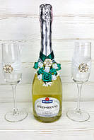 Оригинальный декор на свадебное шампанское и бокалы