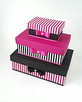 Прямоугольная подарочная коробка ручной работы полоска черно розового цвета