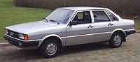 Лобовое сттекло на Audi 80 без шолкографии (1978-1987)