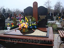 памятник из гранита Лезники Габбро