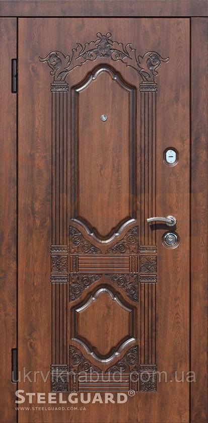 Двери металлические элит Серия RESISTO Sangria Nussbaum 157