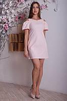Нежно-розовое платье свободного кроя