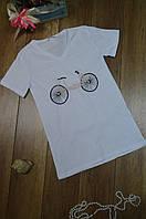 Женская прямая футболка с V-образным вырезом Турция