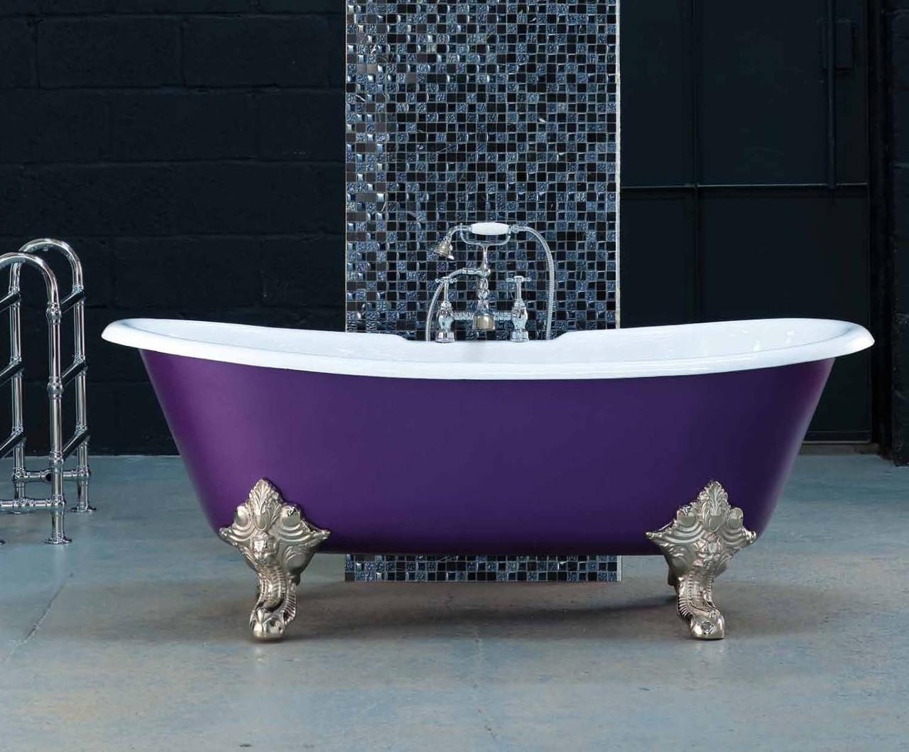 Класична чавунна ванна на ніжках в ретро стилі MILAN