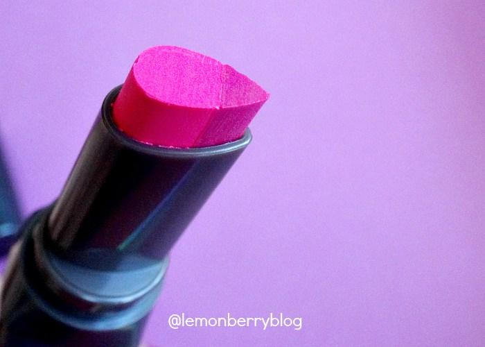 Помада и карандаш BENEFIT they´re real double the lip