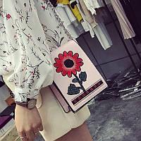 Маленькая сумка с вышивкой цветок через плечо