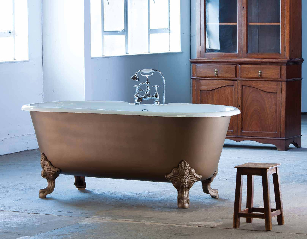 Классическая чугунная ванна на ножках в ретро стиле CHEVERNY