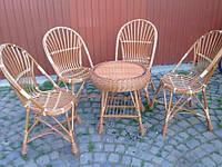 Набор плетеной мебели из лозы.