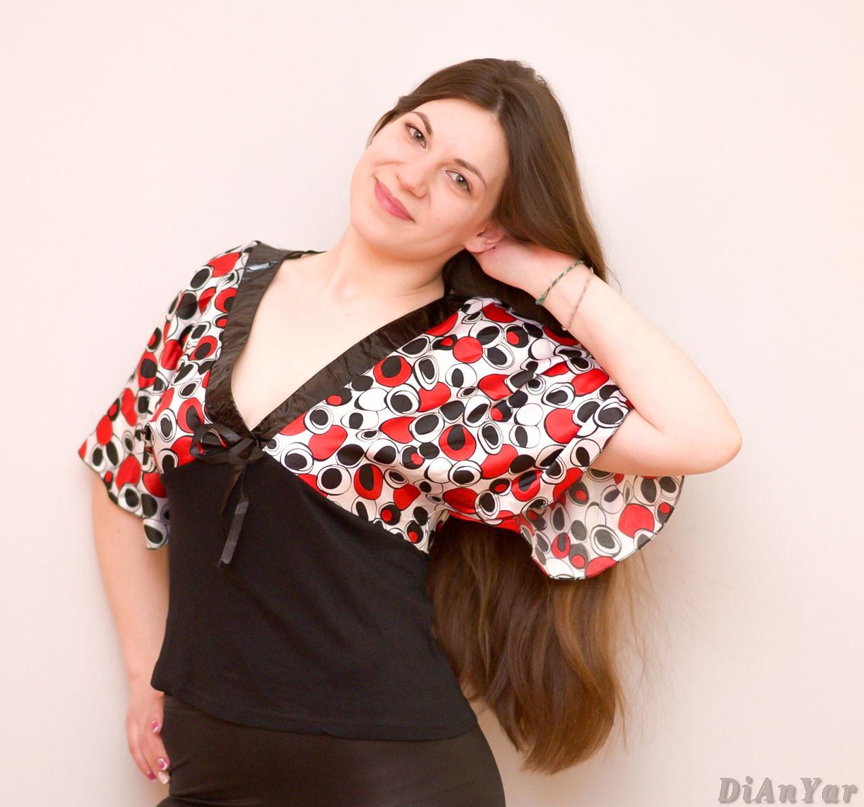 Блузка женская  с лаковыми вставками ZIVO