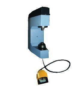 Comec CC300E - Станок для наклепки накладок на тормозные колодки (электро) - BrandTool в Днепре