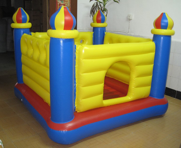 Детский надувной батут-замок Intex  175х175х 135 см