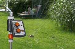 Таймери і датчики подачі води для поливу