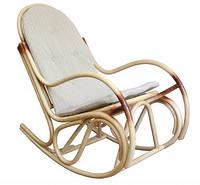 Кресло-качалка Бриз ЧФЛИ плетенное из ротанга с мягким сидением