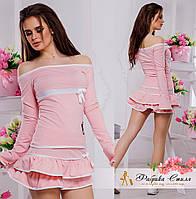 Трикотажный костюм с вырезом кармен кофта и юбка