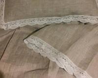 Льняное постельное белье с кружевом и полотенцами