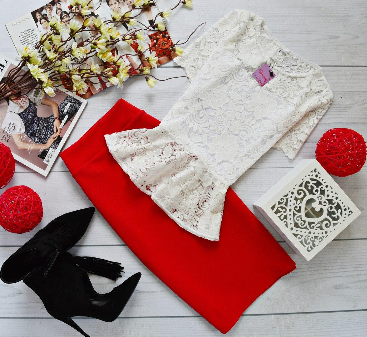 Женский костюм: кофта-баска с набивного гипюра молоко + юбка миди кукуруза красный