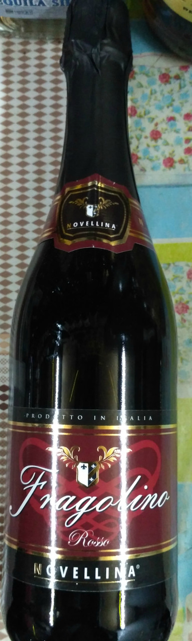 Итальянское красное игристое вино Fragolino Novellina / фраголино Rossoс земляникой 0,75л