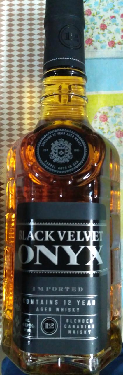 Канадский виски Black Velvet Onyx / Блэк Велвет Оникс 12 лет 1 л