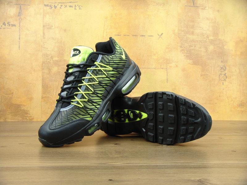 0d00b3aa Мужские кроссовки NIKE Air Max 95 Ultra SE черные с салатовым -  Интернет-магазин