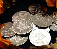 "Монета алтарная ""Дурга"" белый металл (3 см)"