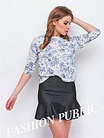 Женская короткая футболка свободного кроя с цветами