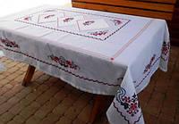 """Комплект Вышитая скатерть с салфетками ручной работы с ажурной  цветной мережкой """"Цветущая вишня"""""""